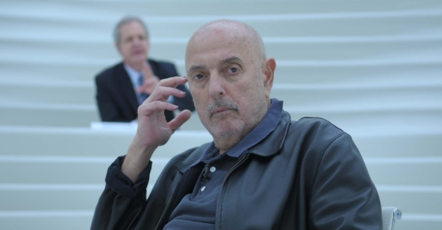 o-cineasta-argentino-brasileiro-hector-babenco-no-centro-do-programa-roda-viva-da-tv-cultura-1389388700675_956x500