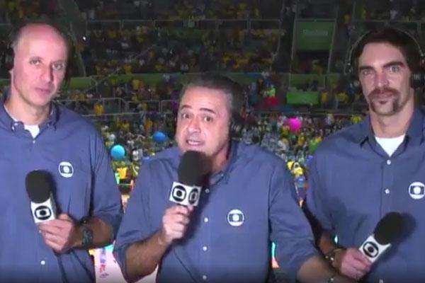 Áudio-falha-e-Alex-Escobar-é-flagrado-cantando-Globo-convoca-outro-narrador-para-final-do-vôlei