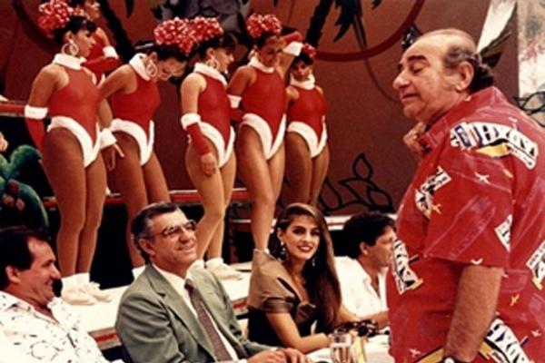 clube-do-bolinha---sucesso-na-tv-bandeirantes-de-1974-a-1994-em-20-anos-da-atracao-o-carismatico-apresentador-bolinha-reinava-com-suas-bailarinhas-boletes-e-o-quadro-eles-e-elas-no-qual-1344981589223_600x400.jpg